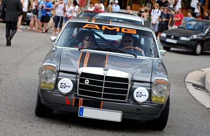 Rally w114 mercedes 250c or 280c old school mercedes for Rally mercedes benz