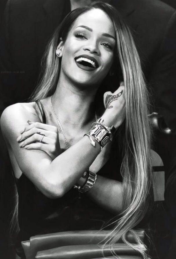 Rihanna if she saw this I would say I LOVE HER -  popculturez.com #Rihanna #Rihannanavy
