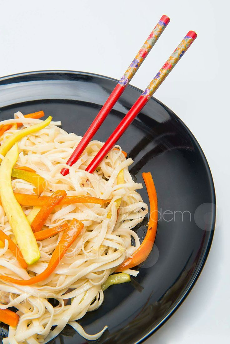 Tallarines con verduras al wok (Jose Tandem)
