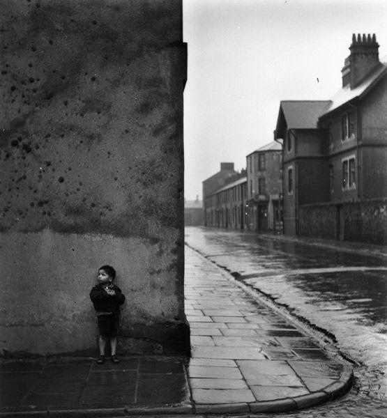 Bert hardy tiger bay cardiff 1950 · vintage photographystreet photographyblack white