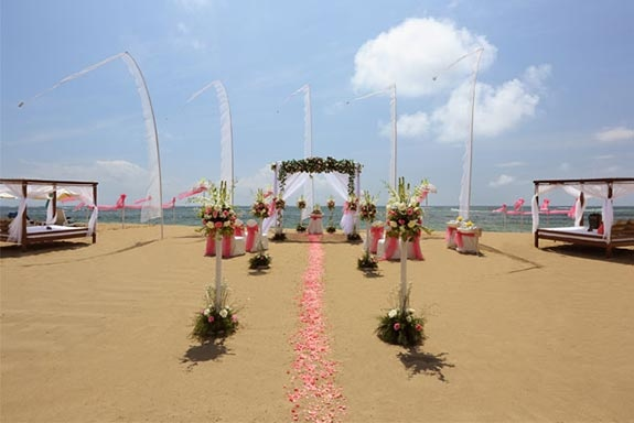 Chilled beach wedding in gorgeous Bali...