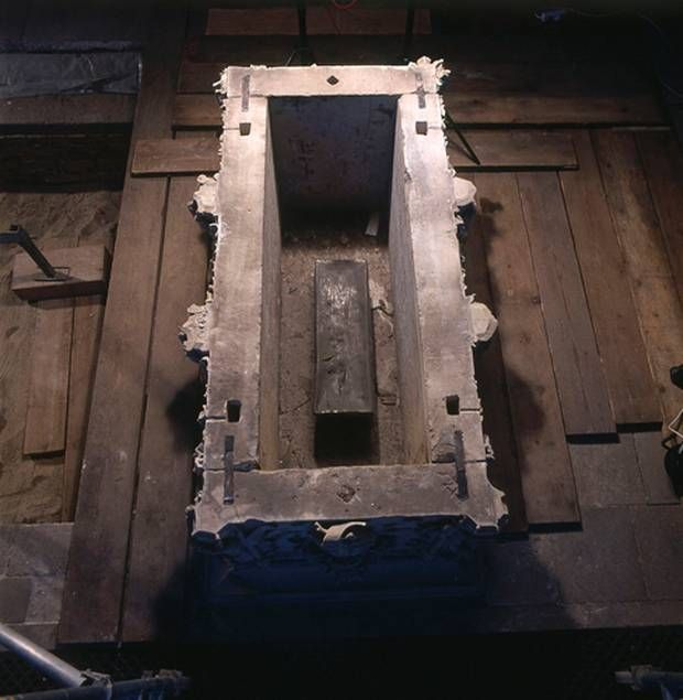 Remains of one of the oldest members of the English royal family, Edith of England, have been located at the Magdeburger Dom in Germany. When the tomb was opened in 2008 a lead coffin 70cm long was found inside, bearing an inscription that read: The rescued remains of Queen Eadgyth are in this sarcophagus, after the second renovation of this monument in 1510. The lead box contained the bones of a woman aged in her thirties, wrapped in white silk. Eadgyth died in 946.