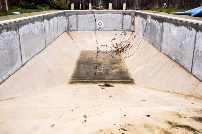 Image Result For Turn Pool Into Bunker Garden Swimming Pool Diy Swimming Pool Underground Swimming Pool