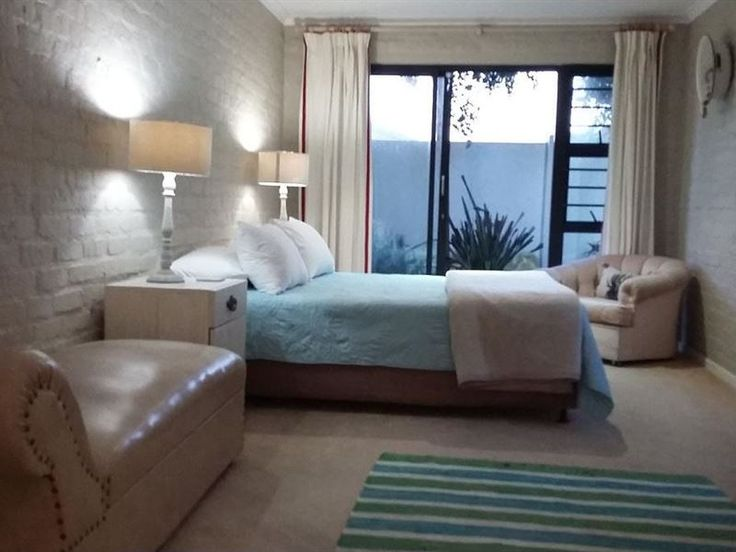 Betta Sleep Oornag Kamers  - Betta Sleep Oornag Kamers offers basic, yet comfortable and modern accommodation in the heart of Yzerfontein. Accommodation is provided in two guest rooms bookable as a unit or individually.   Each room ... #weekendgetaways #yzerfontein #southafrica