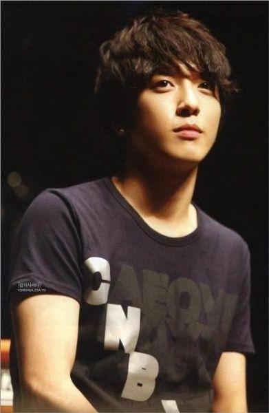 Jung Yong Hwa                                                                                                                                                                                 Más