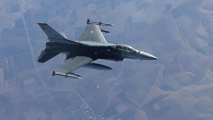Türk Silahlı Kuvvetlerince, Irak'ın kuzeyindeki Sinat-Haftanin bölgesine düzenlenen hava harekatında, eylem hazırlığında olduğu tespit edilen 4 PKK'lı terörist etkisiz hale getirildi.   #ırak #pkk #terör #tsk #Türk Silahlı Kuvvetleri