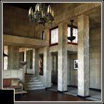 Frank Lloyd Wright: Ennis House: Deckard's apartment based on this.
