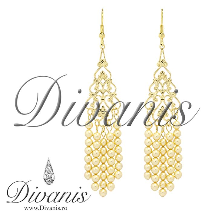 Dis Earrings with Swarovski pearls http://www.divanis.ro/cercei-dis-gold.html