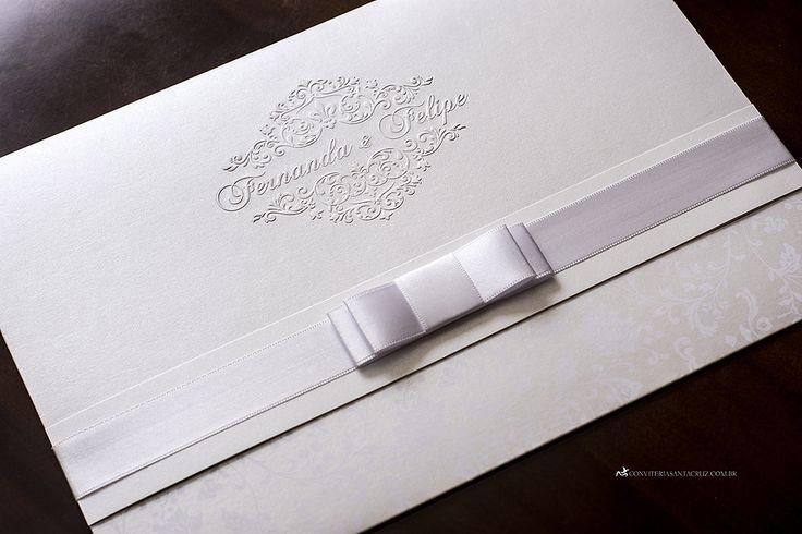 Convite de casamento clássico e elegante com lindos detalhes de acabamento. (2)