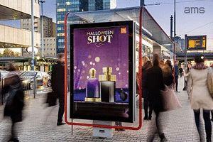 Kampania perfum Halloween Shot z efektem animacji na nośnikach Premium Citylight AMS (Perfumes Diseno, październik 2016)