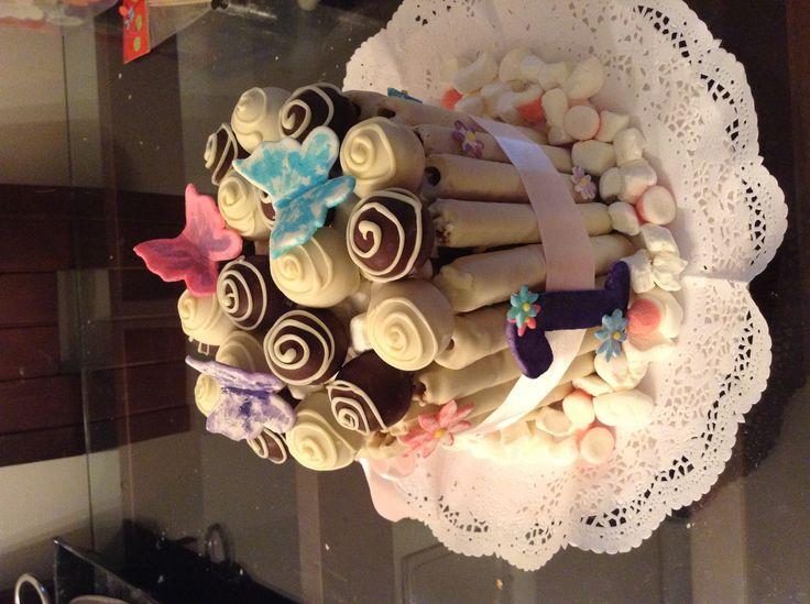 Torta cuchufli,pop cake, cake, 1 cumpleaño, mariposas y flores