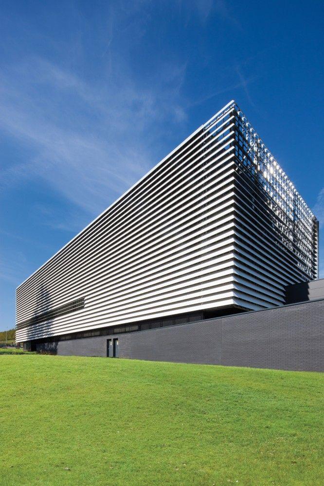 Technology Building in Leuven / de Jong Gortemaker Algra   For more: www.pinterest.com/AnkApin/public-b-commercial