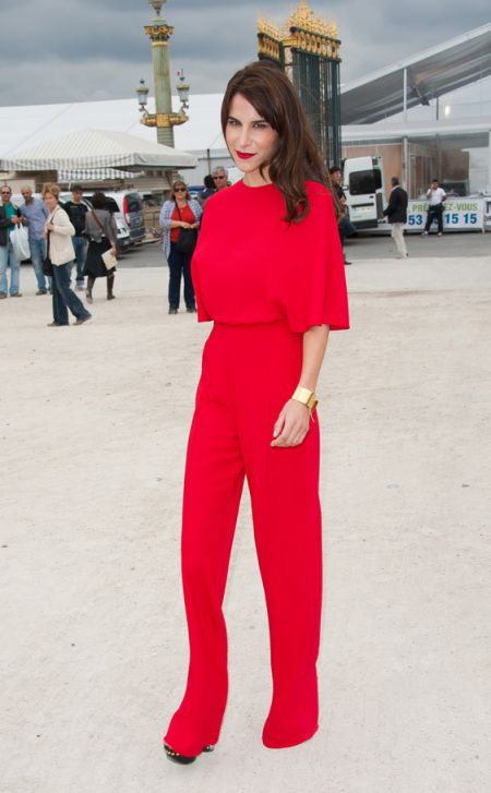 Caroline Sieber in a chic, red jumpsuit during fashion week #style #fashion #streetstyle