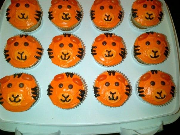 Tiger Cupcakes Cupcakes Pinterest Tiger Cupcakes