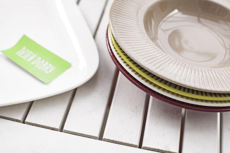 Ceramika stołowa PALETTE z karbowanym rantem od marki AMBITION
