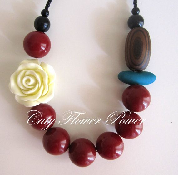 Red Necklace Statement Necklace White Off by catyflowerpower