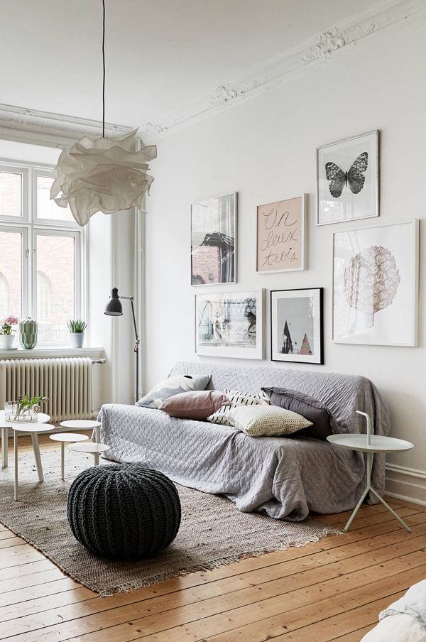 A SMALL SWEDISH APARTMENT WITH A FEMININE TOUCH