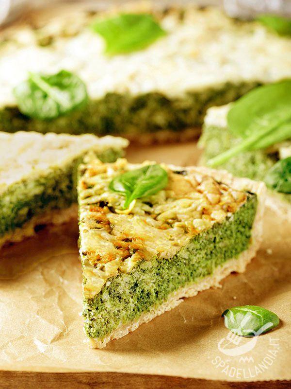 La Torta salata di spinaci è un grande classico fra le torte salate. Provatela anche in questa appetitosa versione con ricotta e groviera.
