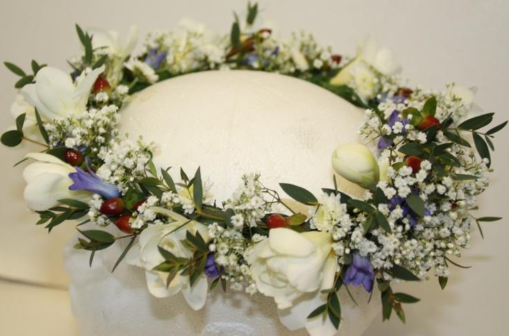 Bridesmaid head circlet
