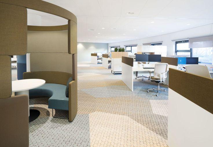 Vepa Patch werkplekken met gestoffeerde opzetwanden bij Gemeente Purmerend. #office #werken #kantoor #project #vepa
