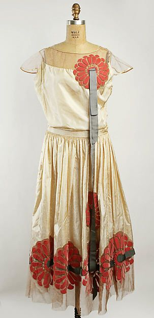 Robe de Style Design House: Attributed to House of Lanvin (French, founded 1889) Designer: Attributed to Jeanne Lanvin (French, 1867–1946) Date: 1925 Culture: French Medium: silk, beading Dimensions: Length at CB: 53 in. (134.6 cm)