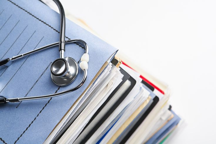 Learn medical information to keep copies of, & the best ways to keep and organize this. Covers pros & cons of different types of personal health records.