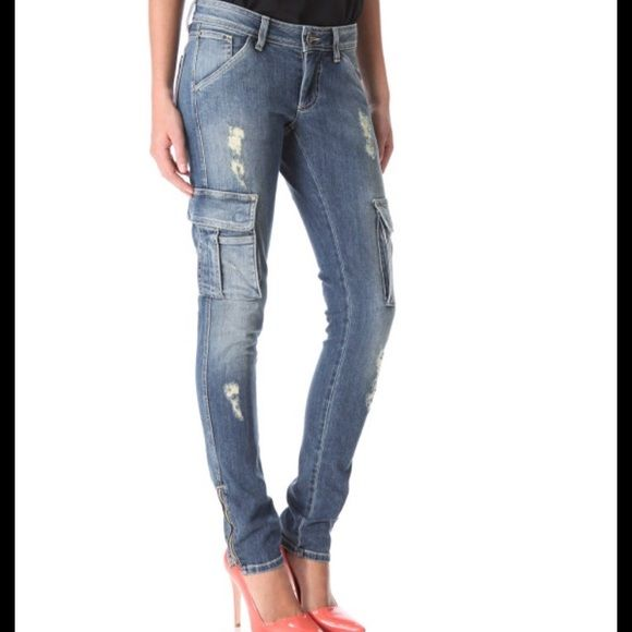 Alice+ Olivia distressed cargo jeans Super sexy! Has zipper at the ankles. Alice + Olivia Jeans Skinny