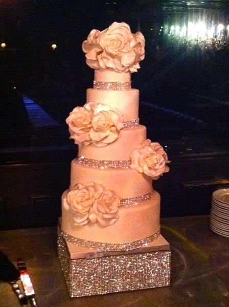 Hollywood Glam Modern Romantic White Ballroom Country Club Flowers Fondant Museum Restaurant Round Topper Wedding Cake Wedding Cakes Photos & Pictures - WeddingWire.com