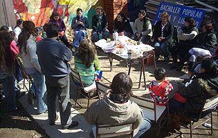 Educadores populares en Villa Fiorito trabajan para incluir - inforegion.com.ar