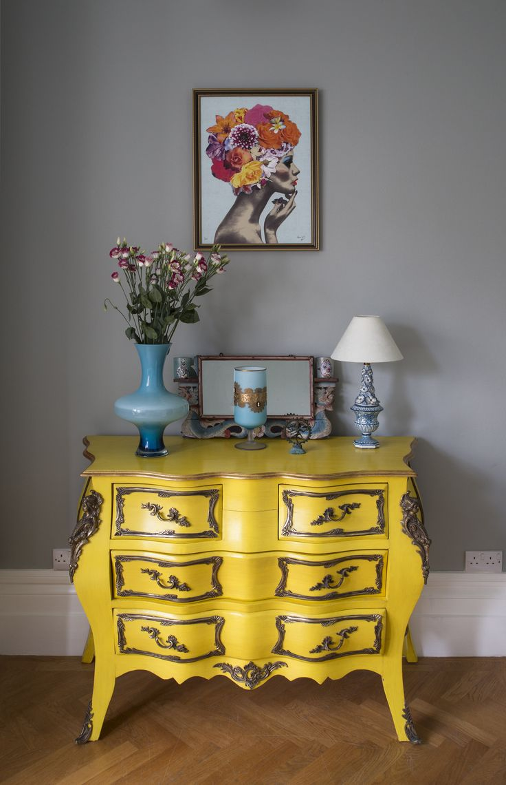 Matthew Williamson's home features in this month's Living Etc magazine with a full article entitled 'bohemian rhapsody'. This yellow chest of drawers is perfectly paired with contrasting turquoise interior accessories. Click to read more.
