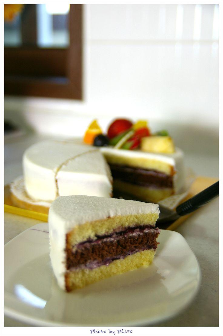 단언컨대, 달콤한 음식은 최고의 힐링 푸드입니다.(cake of Ebishura in Apkujung, Korea)