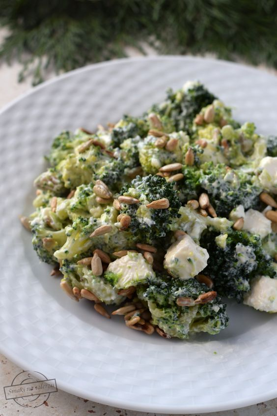 Sałatka brokułowa z fetą