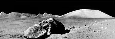 Φωτογραφίες από αρχαίο πολιτισμό στην Σελήνη δημοσίευσε πρώην στέλεχος της NASA