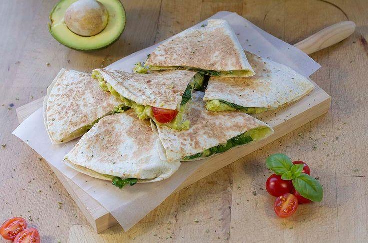 Avocado quesadilla - Quesadilha de abacate | COOKING HAPPINESS