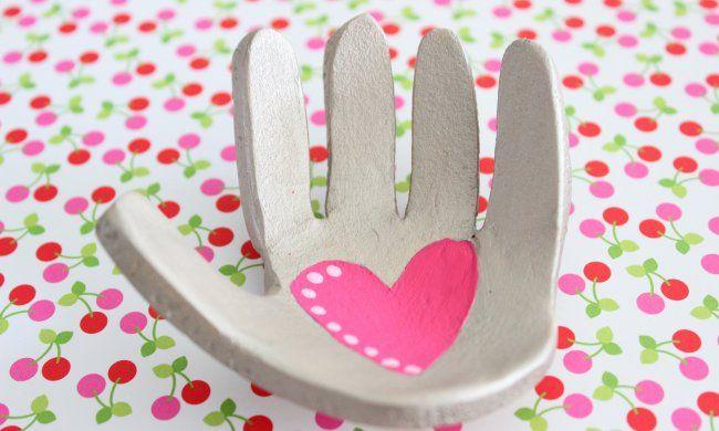 La mano de los niños en arcilla | Blog de BabyCenter por @Carolina Krupinska Llinás
