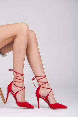 SZPILKI  Piękneszpilki, czerwony efektowny kolor, modne sznurowania, wysoki obcas wysmukla sylwetkę. Bardzo kobiece i sexowne. Moda za najniższą cenę. http://cosmopolitus.com.pl/product-pol-95323-WIAZANE-SZPILKI.html #szpilki #czerwone #sznurowane #wysokie #obcasy #modne #tanie