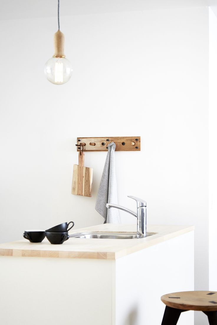 Moodboard 1X6 Oak - Magnetic Hanger System - Kitchen - Lamp - Stool