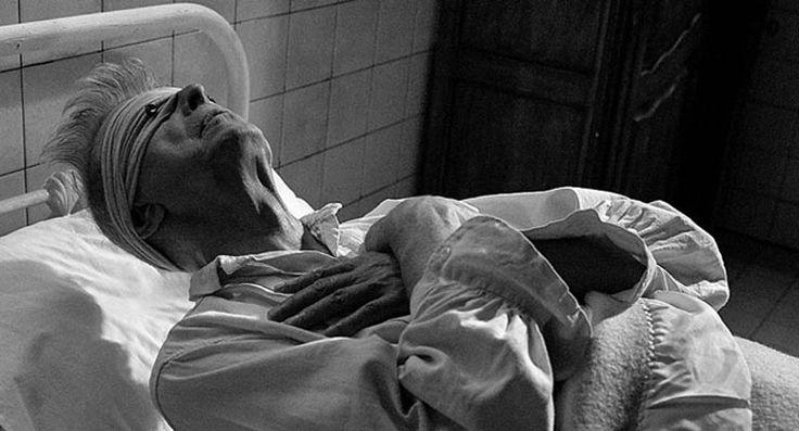 Efsanevi müzisyen Bowie, hastalığının 'tedavi edilemez' olduğunu ölümüne üç ay kala öğrenmiş