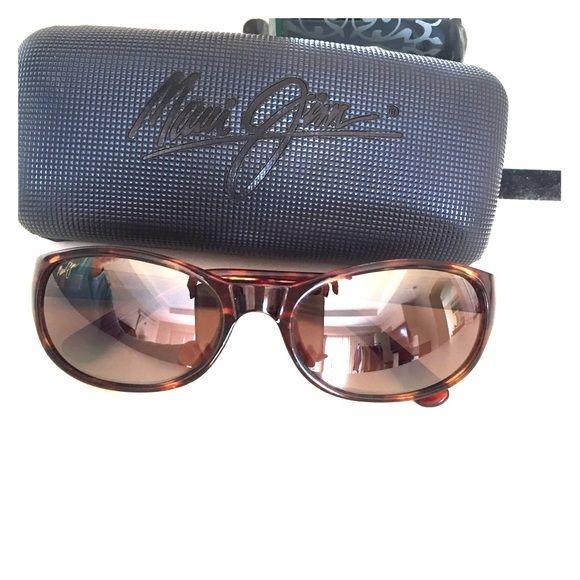 Maui Jim Sunnies Tortoise Maui Jims. Excellent condition. Smaller frame. Maui Jim Accessories Sunglasses