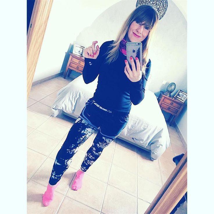 Go to the gym.... Leggins #hm Cami #OYSHO shorts #Nike #nikewoman #twobloggerss #mymirrow #gotothegym#post #pic #bloggermadrid #bloggerstyle #bloggers #instagym #fotogym#fashionary #fashionisima #fashionlook #style #fitnees #ootd #itgirl #health #bloggersfitness by twobloggerss
