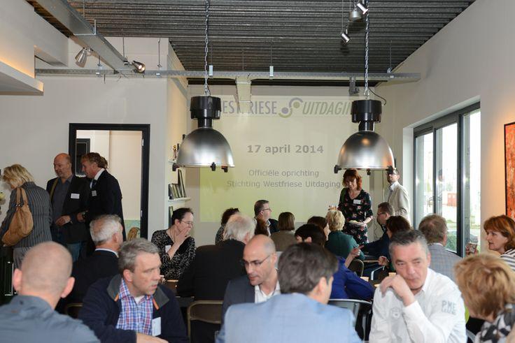 Ontbijten met actief betrokken ondernemers tijdens de starbijeenkomst van de Westfriese Uitdaging op 17 april 2014.