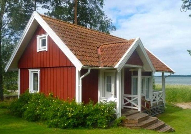 Adorable Air BnB cabin on lake Vanern, Sweden