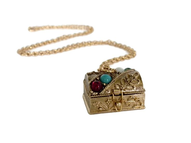 Pill Box Necklace, Prayer Box Necklace, Stash Box Necklace, Treasure Chest Pendant, Pill Box Pendant, Treasure Chest Necklace, Charm Pendant