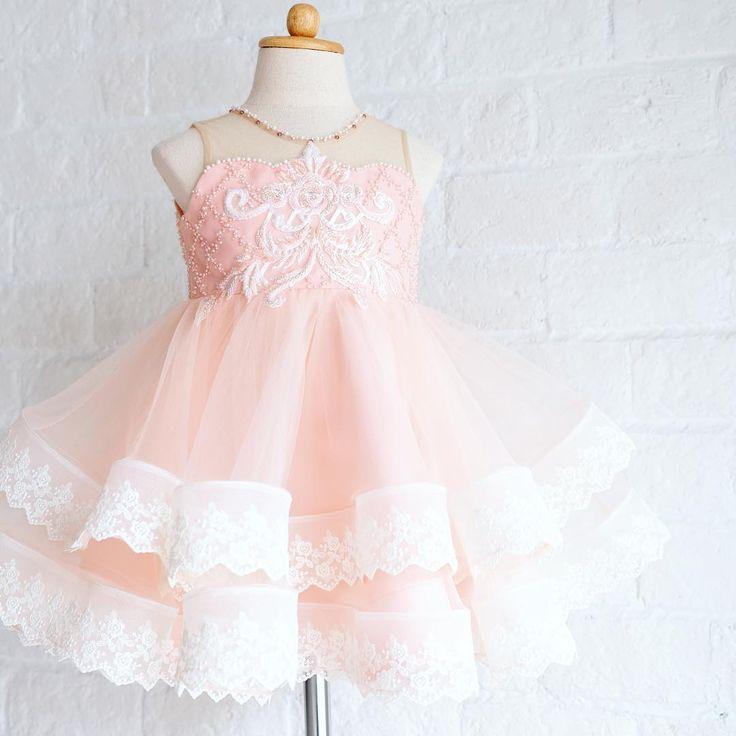 ---Natalie dress--- #feelingxmassy #bemerry #honeybeekids #honeybee_kids #welovesdetails