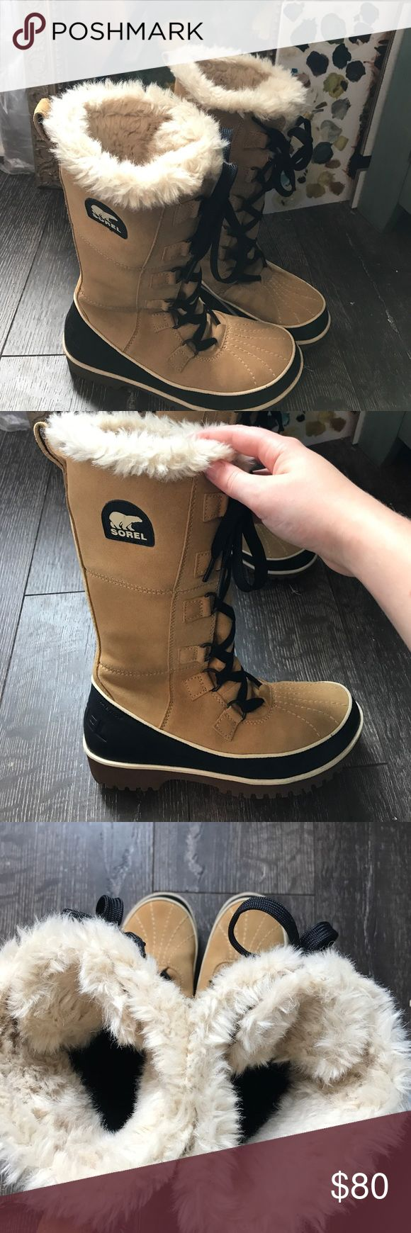Sorel Snow Boots NWOT, really comfy, just too small for me, make an offer Sorel Shoes Winter & Rain Boots