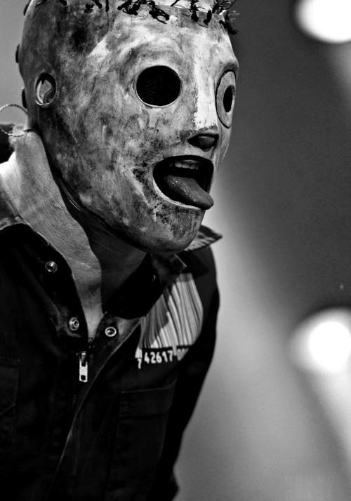 Corey Taylor, front-man for Slipknot. ah! <3