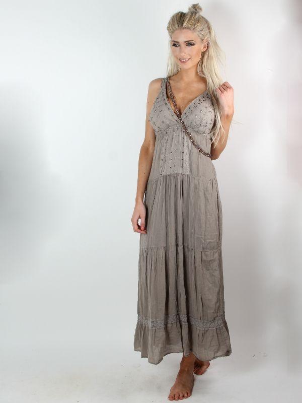 Darling - Mudfarvet lang boheme kjole med smuk front i form at brodering og v-udskæring