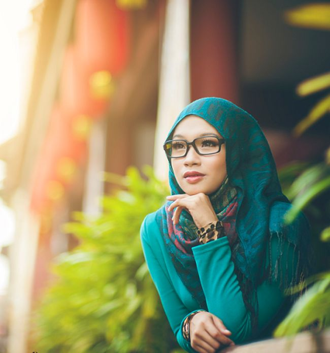 Hijab Style With Glasses large 1