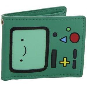 Questo portafoglio è l'ideale per i fan della serie Adventure Time . Sulla base di uno dei personaggi più popolari dello show (BMO) questa portafoglio presenta 4 slot porta documenti.