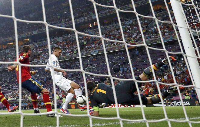 Spain - France 2-0 Iker Casillas.